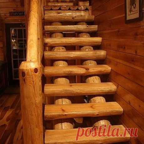 Love this full-log cabin stairs . . . . . #machineryhouse #woodworking #wood #woodart #woodwork