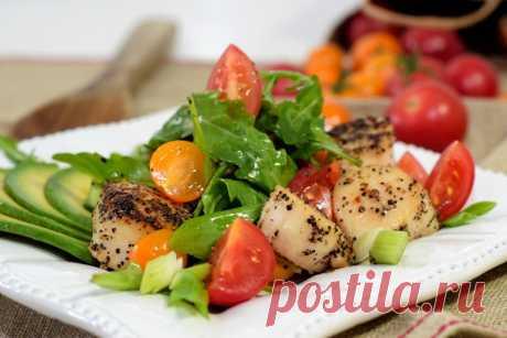Тёплый салат с авокадо и морскими гребешками - пошаговый рецепт с фото