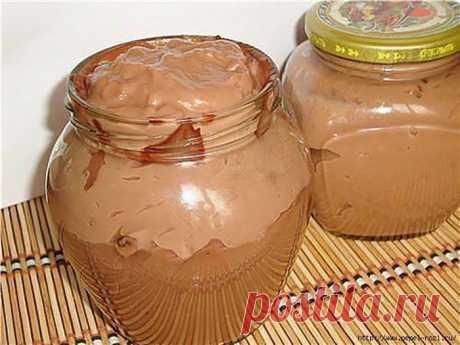 Шоколадная вкуснятина, которую можно есть ложками!  Невероятная вкуснятина, которую можно есть ложками! Детки ее обожают! Ингредиенты: Молоко — 1 стаканКакао порошок — 3 ст.л.Сахар — 3 ст.л сахараМука — 3 ст.л. мукиСливочное масло — 70-80 грамм1/4 пли…