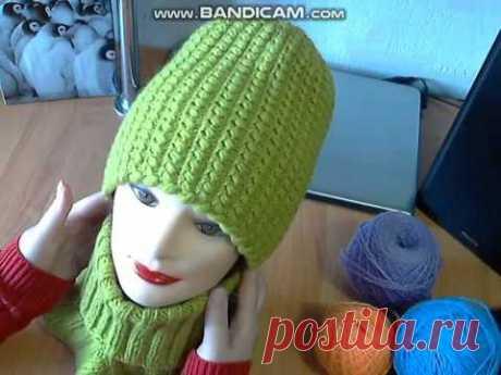 Теплая шапка красивым объемным узором
