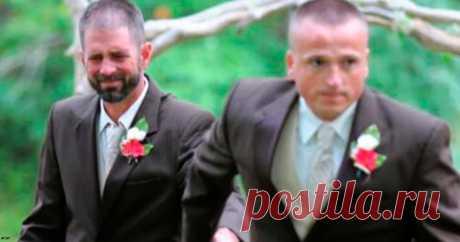 Отец остановил свадьбу дочери, чтобы ее отчим тоже смог провести ее к алтарю | Краше Всех