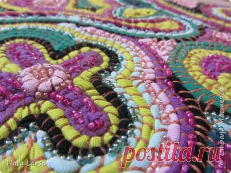 Удивительные вышивки трикотажными полосками — Рукоделие