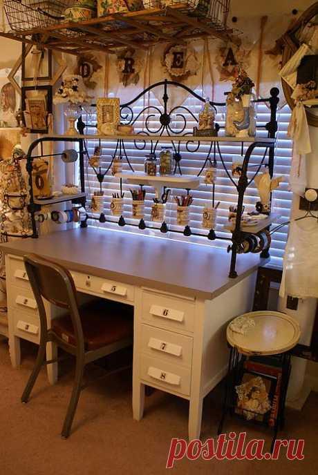 Винтажный рабочий стол Sandy Babb.