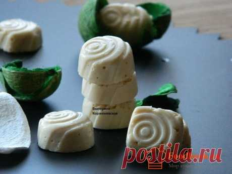 Желейно-творожные конфеты | Foodbook.su Очень вкусные,в меру сладкие конфеты! А сколько пользы! Сладость регулируйте по своему вкусу,так как джем бывает разный.