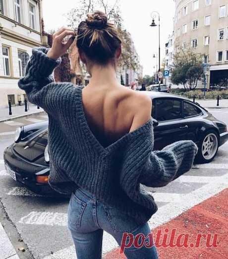 16 вариантов как носить свитер с открытой спиной, получив соблазнительный образ Свитер с открытой спиной – это один из самых популярных предметов гардероба для милых леди, которые желают получить женственный и соблазнительный образ. Свитер идеально подходит для ансамблей с юбками...