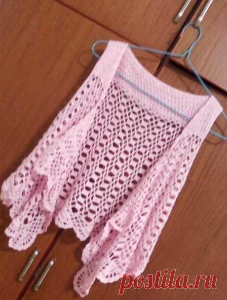 Розовый ажурный жилет
