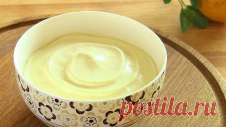 Майонез на Молоке без Яиц за Минуту. Получается всегда! Такой майонез хранится дольше, чем любой другой домашний майонез 3-4 недели в холодильнике. Вкусный, белоснежный, густой, аж ложка стоит! Мой любимый рецепт Майонез на молоке без яиц Этот майонез получается всегда, а готовится не более минуты.  Важно: Все продукты должны быть комнатной температуры!  Понадобится:  • Молоко - 150 мл  • Масло растительное - 300 мл  • Лимонный сок - 3 ст.л. (или любой 6% уксус 2 ст.л...