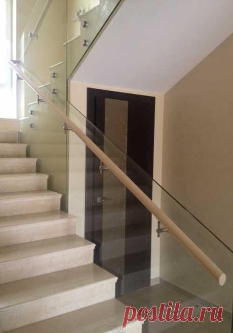 Лестницы, ограждения, перила из стекла, дерева, металла Маршаг – Самонесущее стеклянное ограждение