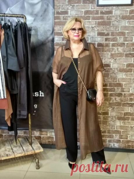 16 базовых вещей для женщин 60+, которые советует иметь стилист Эвелина Хромченко | СильнаЯ и СтильнаЯ в 60+ | Яндекс Дзен
