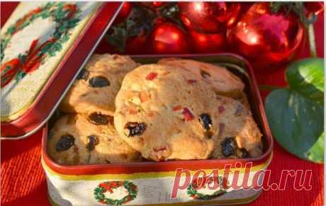 Рождественское печенье с цукатами и орехами   Во многих европейских странах на Рождество принято печь печенье с цукатами и орехом. Печенье вкусное и действительно праздничное, создающее в доме теплую атмосферу праздника. Делюсь рецептом.   Ингредиенты:  Показать полностью…