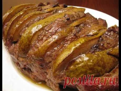 Нежное запеченное мясо свинины с ароматной грушей политое вкуснейшим соусом — вы пробовали такое