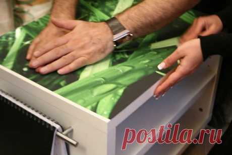 As it is correct to paste over furniture with a self-adhesive film: photo, video