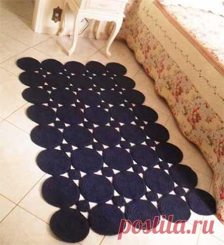 Вяжем коврики из красивых круглых мотивов