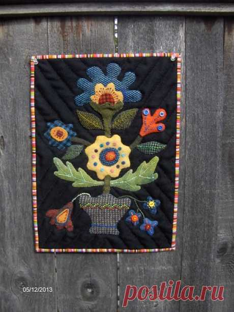 Wool Applique Wall Hanging | I finally got around to hand qu… | Flickr