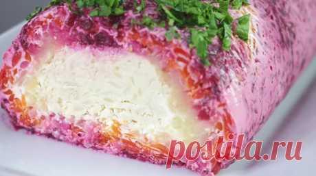 Салат «Король стола»: царское блюдо из простых продуктов Предлагаю рецепт салата, который подаётся в виде рулета. Нежный, вкусный, сытный! А оригинальное оформлениесалата идеально подходит кпраздничному застолью! Продукты для приготовления салата обычные, доступные. Толькопонадобится приложить немногоусилий! Гости...