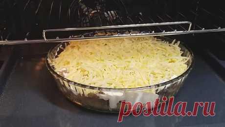Запеченый картофельс мясом в духовке