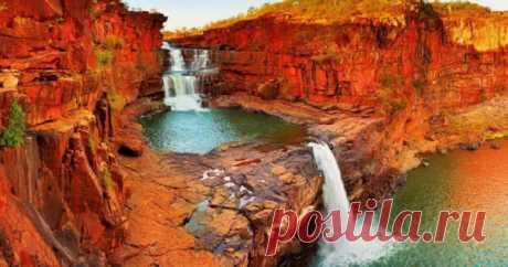 10 природных чудес Австралии Хотя более трети австралийского ландшафта состоит из пустыни, страна обладает ослепительным набором совершенно разных природных творений, образованных уникальным климатом. Тропические леса возникают преимущественно в северных и западных регионах, призывая к приключениям путешественников, а южные...