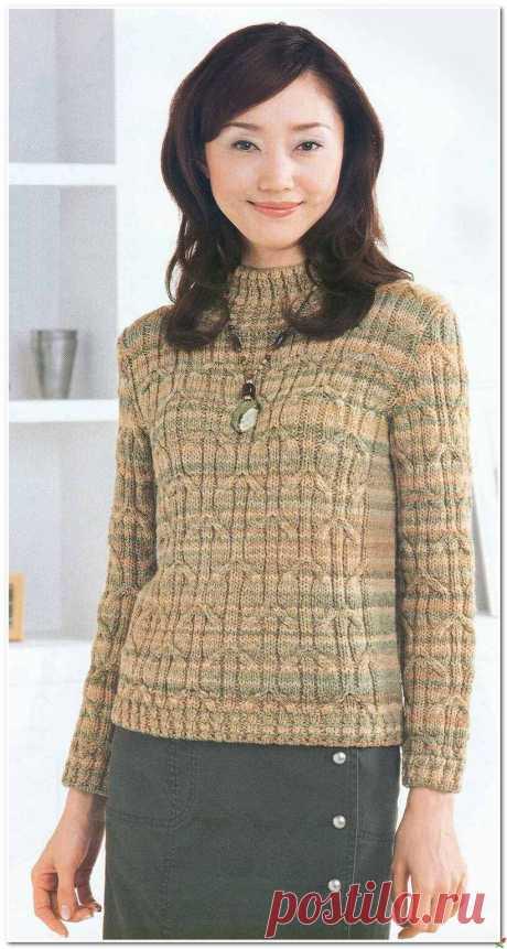 Меланжевый свитерок со жгутами.