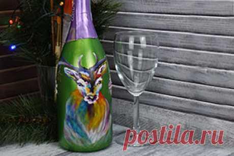 Роспись новогоднего шампанского Новогодняя бутылка шампанского с фантастическим оленем