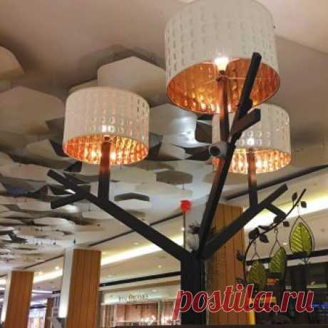 I was just walking at a mall today, minding my own business when I spotted this hack at a quaint little cafe called Tea Verandah. NYMO lampshades on this tree light structure. Nice! . #ikeaspotting #ikeahack #lampshade #treelighting