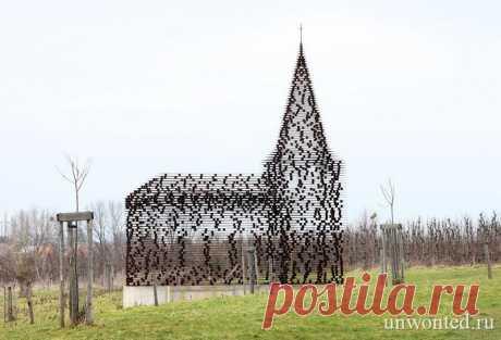 Церковь из стальных пластин в Бельгии