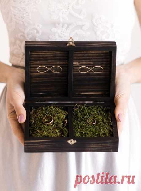 Carlwood.com создают вещи, которые выбираются однажды и остаются с вами навсегда!🖤 На carlowood.com вы можете самостоятельно выбрать дизайн для понравившейся вещи, оставить текст для гравировки и сформировать свой неповторимый свадебный набор.🌸 Мастерская Carlowood🌿