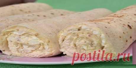 Обалденные рулеты из лаваша и плавленного сыра    Великолепная закуска за 5 минут!          Ингредиенты: Лаваш — 2 шт.Куриное филе — 0,25 кгСырок плавленый — 1 шт.Яйца — 3 шт.Майонез — почти целая пачкаЧеснок — 1-2 долькиСоевый соус — по вкусуРаст…