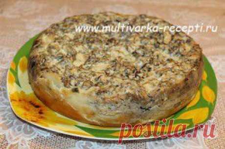 Заливной пирог с картофелем и рыбными консервами в мультиварке  