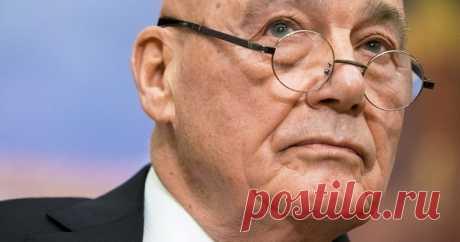 Владимир Познер поделился мнением обустройстве власти вроссийском обществе. Журналист заявил, чтопрезидент России Владимир Путин окружил себя людьми, которые недают критическую оценку егодействиям.