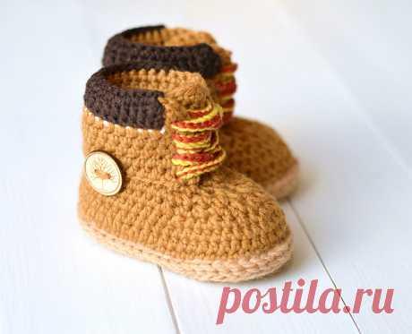 Ravelry: Baby Booties Timberland Style pattern by Caroline Brooke