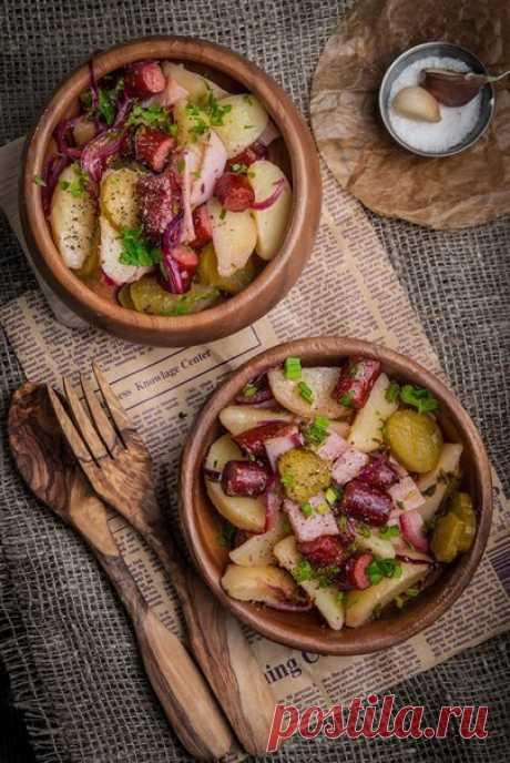 Картофельный салат в немецком стиле.