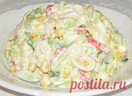 Свежий и очень приятный по вкусу крабовый салат с капустой