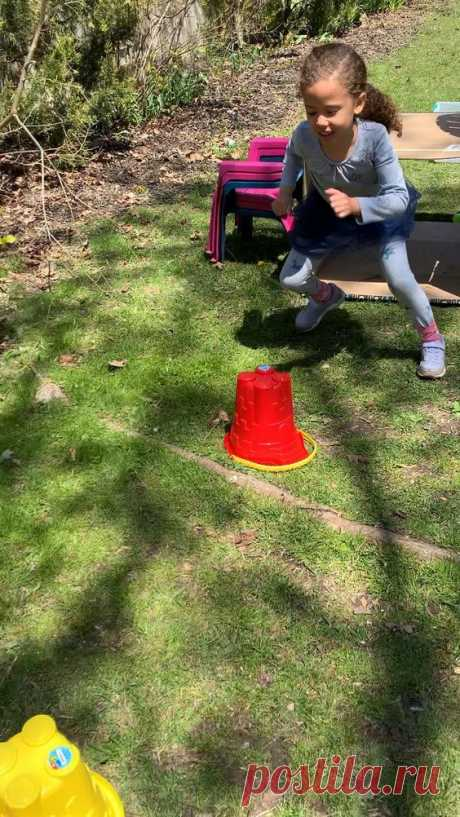 20 super fun and easy to set up backyard obstacle courses for kids. These ideas are prefect for kids of all ages, from toddlers to older kids and everyone in between.