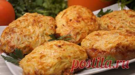 Мясо под шубой                   Нежное мясо и аппетитная хрустящая корочка. Оно очень сытное и готовится довольно просто. ИНГРЕДИЕНТЫ Мясо – 500гр. Луковица – 2 шт. Картофель – 2-3 шт. Кетчуп – 3 ст.л. (или помидор…