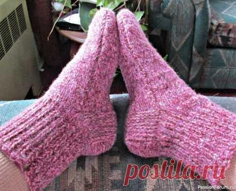 Носки-чувяки на двух спицах.