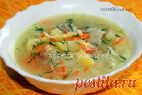 Мясной суп с фунчозой.  СОСТАВ: Мясо (говядина, свинина) — 500 гр Лапша рисовая (фунчоза) — 30 гр Сыр плавленый — 100 гр Лук репчатый — 1 шт Картофель — 2-3 шт Морковь — 1 шт Соль, перец.