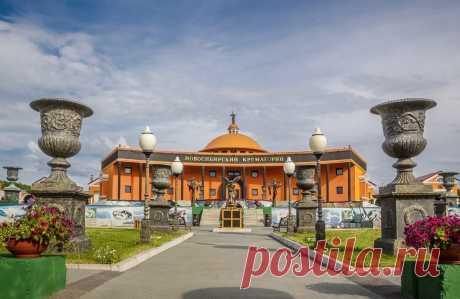 Как устроен Новосибирский крематорий— самое необычное ритуальное сооружение России — Strelka Mag