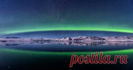 «Рождение Авроры». Лагуна Йёкюльсаурлоун, Исландия. Автор фото — Alexander Zelinskiy: Доброй ночи.