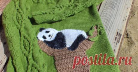 Преображаем вязаный джемпер очаровательной пандочкой Любую одежду можно «оживить» вышивкой. Предлагаю вышить панду. У меня она будет жить на вязаном джемпере, но поселить ее можно и на джинсовую одежду. Нам понадобятся: лист бумаги; карандаш; белый…