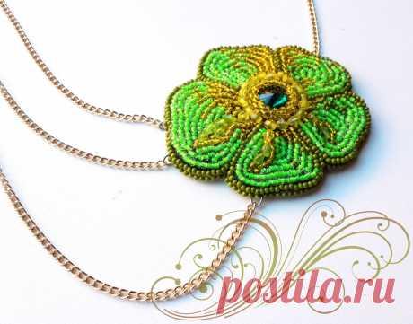 Зеленый цветок   biser.info - всё о бисере и бисерном творчестве