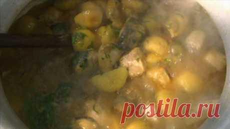 Рыбное карри с картофелем (кухня Бангладеш)