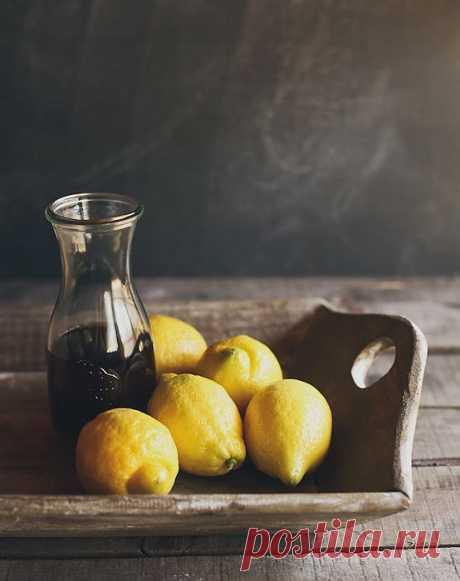 black tea&lemons
