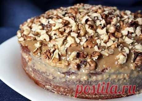 Как приготовить простой пирог с варёной сгущёнкой  - рецепт, ингредиенты и фотографии