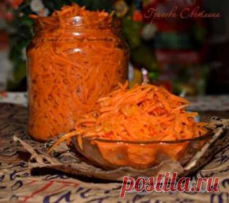 Как сделать морковь по-корейски в домашних условиях Морковь по-корейски - очень вкусная закуска, которую можно подать как самостоятельное блюдо, использовать в качестве ингредиента для приготовления домашней шаурмы, салатов, закусок и т.д. Сделать морковь по-корейски в домашних условиях не составит большого труда, а набор продуктов настолько экономич