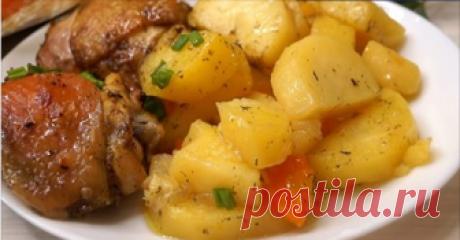 Ужин без возни «Хозяйка отдыхает»: мясо с картофелем в рукаве Готовится блюдо очень быстро, подготовка продуктов занимает минимум времени. Мясо, запеченное по этому рецепту, получается невероятно мягким и сочным, а картошка – нежной и ароматной!