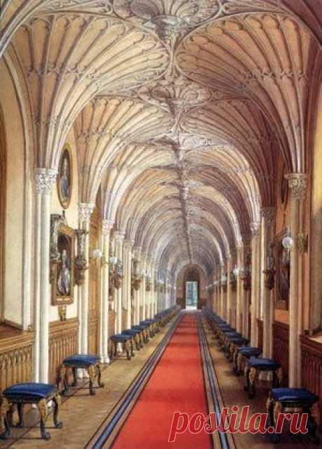 Dessin de la Galerie Gothique - Gatchina - Grand Palais Carré de l'Arsenal | Pinterest • el catálogo Mundial de las ideas