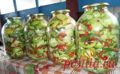 Мариновані зелені помідори «Вогненні». Гостренькі та дуже смачні! Мариновані зелені помідори, покроковий рецепт приготування. Помідори перебрати, помити, розрізати на 4 частини кожен.