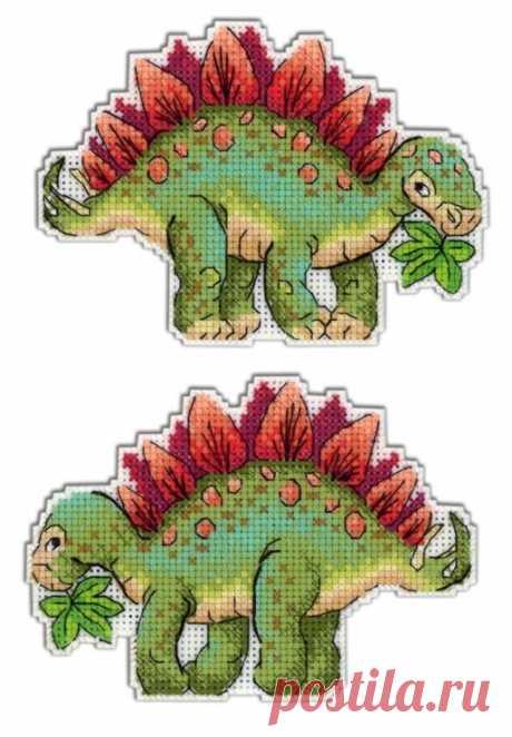 "(8) Gallery.ru / Р-269 Динозавры. Трицераторпс - ТМ ""Жар-Птица"", на пластиковой канве (Р) - NataVosk"