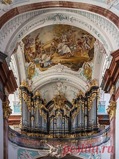 El órgano en la iglesia de la abadía de Altenburg (la Austria Inferior)