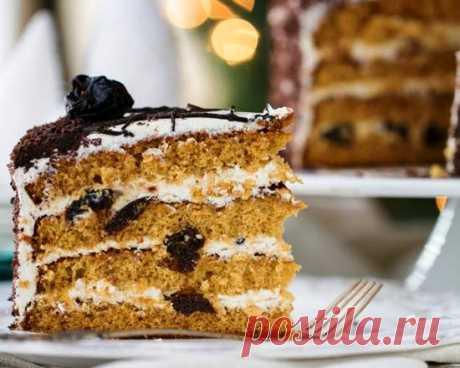 """Торт """"Медовик"""" с черносливом в мультиварке - Простые рецепты Овкусе.ру"""